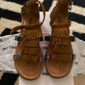 Size 8. Fringe  Minnetonka sandals